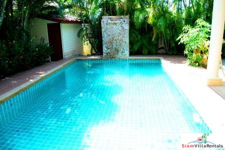 Two-bedroom modern villa in Nai Harn, close to beaches and restaurants