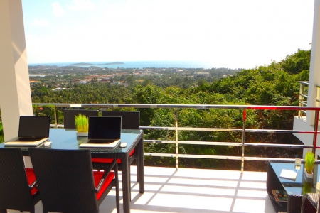 Stylish two-bedroom apartment with sea and mountain view in quiet residential area