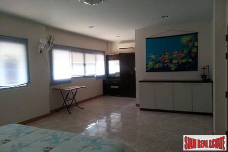 3 Bed Villa Close To 12