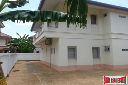 3 Bed Villa Close To 2