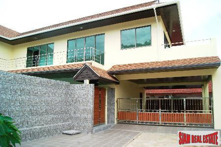 New three-bedroom private pool villa in Chalong