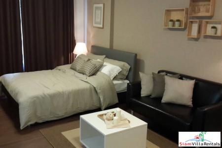 Central Hua Hin studio apartment located on the main road