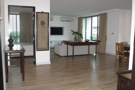 Elegant three-bedroom condominium with beautiful views for rent at Ekkamai