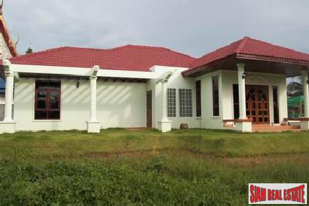Two Bedroom House and Large Land Plot in Thalang Close to All Amenities