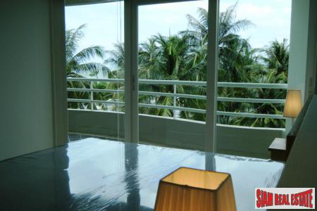 Stunning 2-Bedroom Sea-View Condo on 5