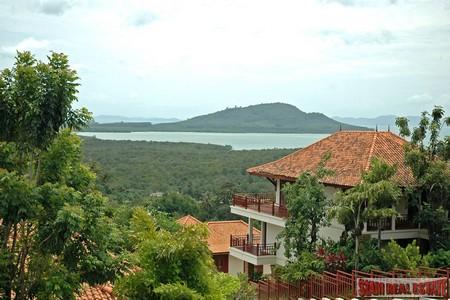Furnished 3 level home in with sea view on edge of Phuket Town