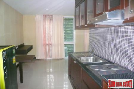 One-Bedroom Serviced Apartment in Great 7