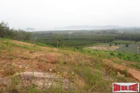 Large Sea-view Plot in Mission Hills (6.93 rai)