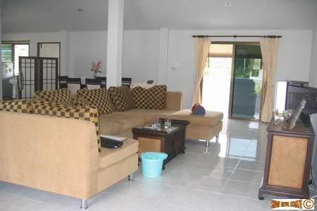 Three bedroom, furnished Home near 2