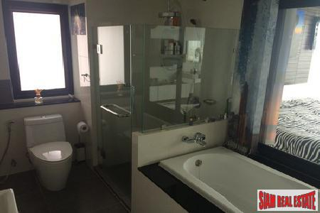 Deluxe 1-Bedroom Apartment in Patong 9