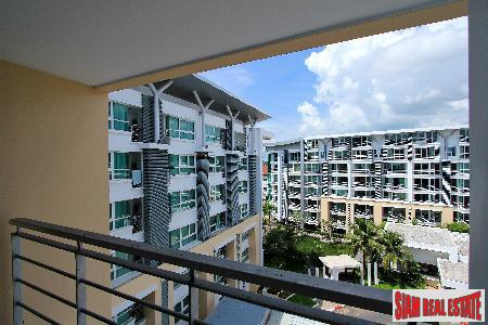 6th Floor 1-Bedroom Apartment in Phuket Town at Fabulous Price