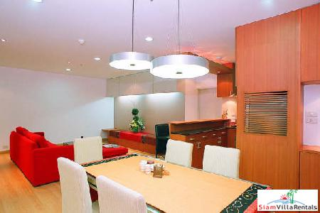 Stunning modern apartment short stroll to Lumpini Park and both BTS & MRT Stations,