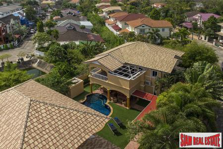 Expansive 5-Bedroom Pool Villa in Chalong
