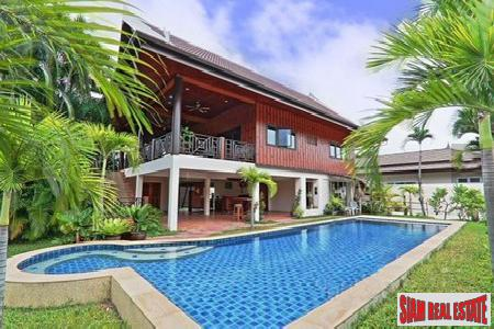 Traditional 4-Bedroom Thai-Style Villa with Pool in Rawai, Rawai, Phuket