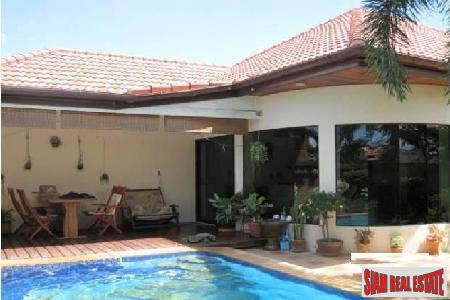 Well-Appointed 2-Bedroom Pool Villa on Soi Country Club