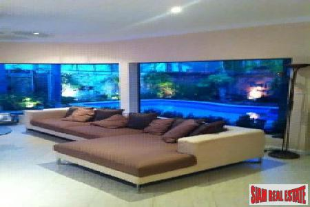 Well-Appointed 2-Bedroom Pool Villa on 6