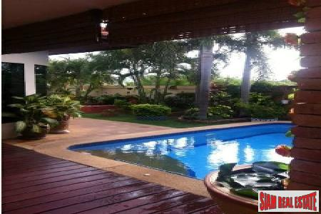 Well-Appointed 2-Bedroom Pool Villa on 7