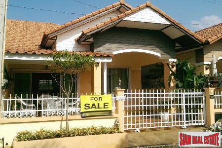 Newly Renovated 2-Bedroom House off Soi Khao Noi