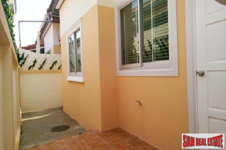 Newly Renovated 2-Bedroom House off 14