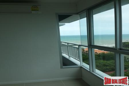 Beachfront 12th Floor 1-Bedroom Apartment 10