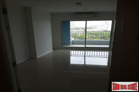 Beachfront 12th Floor 1-Bedroom Apartment 13