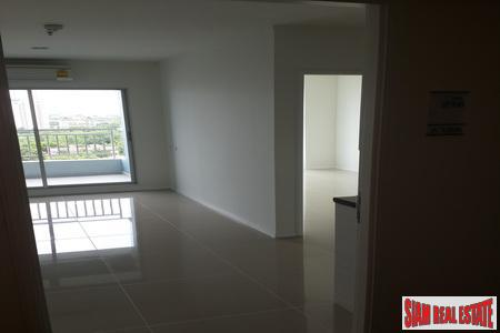 Beachfront 12th Floor 1-Bedroom Apartment 14