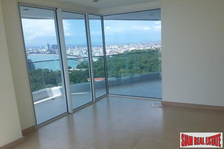 Spectacular 2-Bedroom Penthouse on Pratumnak 3