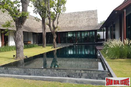 Impressive 4-Bedroom Courtyard Luxury Villa in Koh Kaew