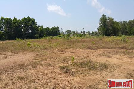 12 Rai of Flat Land in Laguna