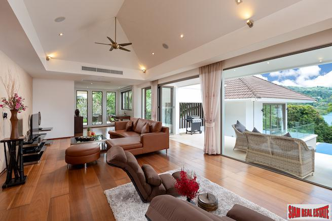 Impressive Four-Bedroom Sea View Villa 10