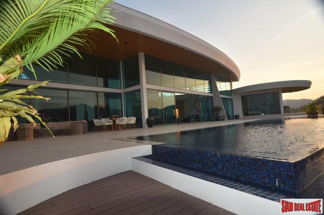 5-Bedroom Ultra-Luxe Beachfront Villa in 4