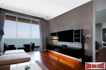 Luxurious 2 Bedrooms Apartment on Wongamat Beach Pattaya