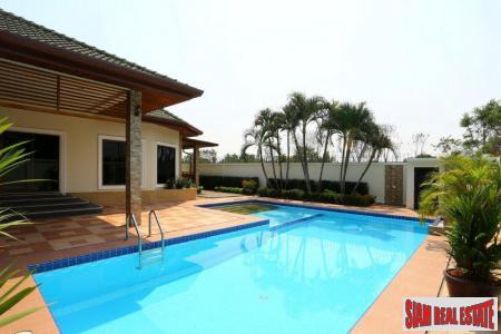 Spacious 4-Bedroom Pool Villa on Soi Siam Country Club