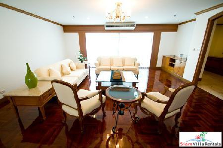 Newly Renovated Spacious 4 Bedrooms Unit in Sukhumvit 20 with Large Balcony