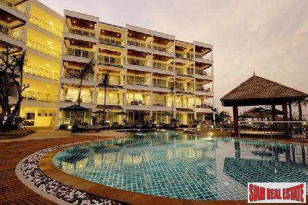 Contemporary 2 Bedroom Condominium For 8