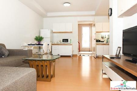 Fresh, Simple 56 sqm 1-Bed Condo in Patong