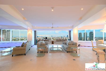 Luxury condo 2 bedrooms, 2 bathrooms 273 sq.m 25th fl at the Chaopraya River Front