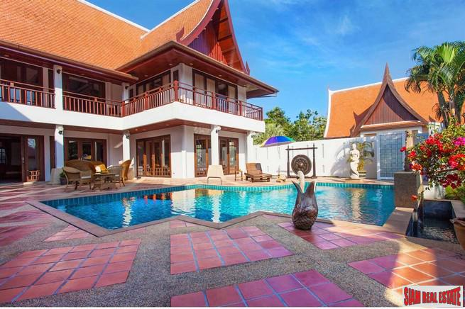 Spacious Thai 6-Bedroom Pool Villa in Rawai