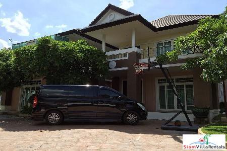 5 Bed House at Bangna