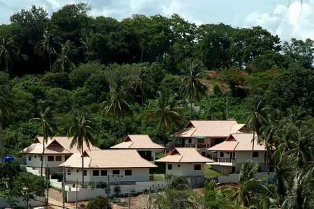 Daily and Monthly Rental of four 3 bedroom houses and two 1 bedroom apartments in Baan Suan Resort, Rawai