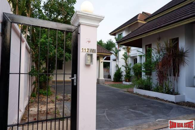 Private pool four-bedroom house for rent in Surin