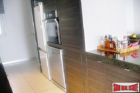 Sea view fully furnished condo 5