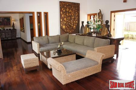 Tropical Balinese Three-Bedroom House for 14