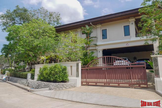 Detached Fully Furnished Four-Bedroom House 11