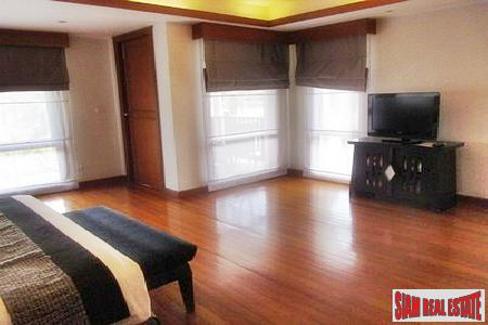 Two-Bedroom Townhouse for Rent in 11