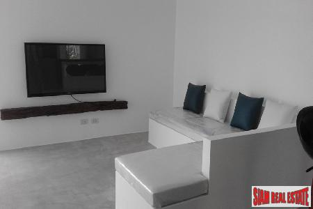Modern One-Bedroom Apartment for Long 10