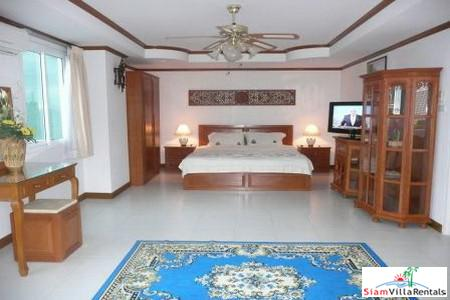 Nice 1 Bedroom 70 Sq.M. Condo Near Wong Amat Beach in Naklua For Long Term Rent