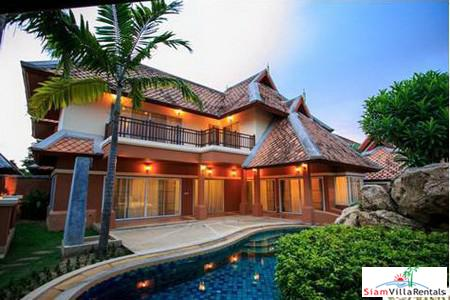 Exclusive High Quality Multi Bedrooms Detached House with Private Pool