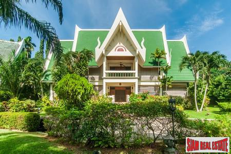 Splendid Villa Estate Living near Nai Harn Beach