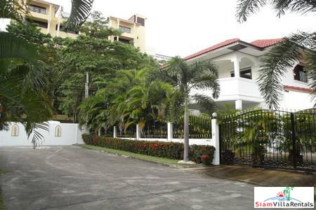 Big Beautiful 4 Bedrooms House Between South Pattaya and Jomtien ( Sea Side)